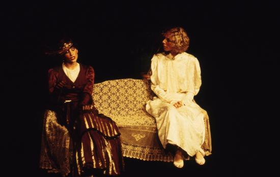 Muriel Didier Theatre 6