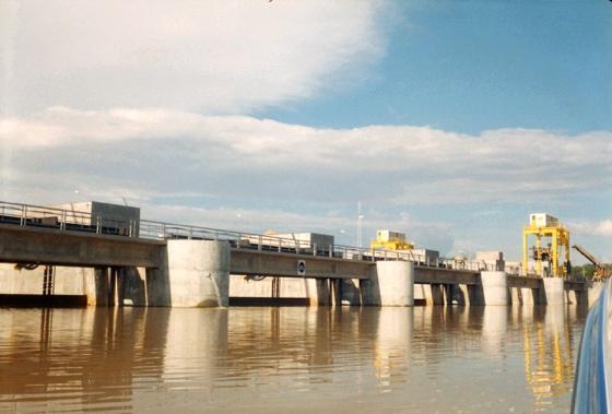 14 l evacuateur du barrage