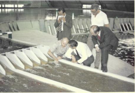 4 1976 maquette d evacuateurs de crues du barrage d itaipu curitiba bresil