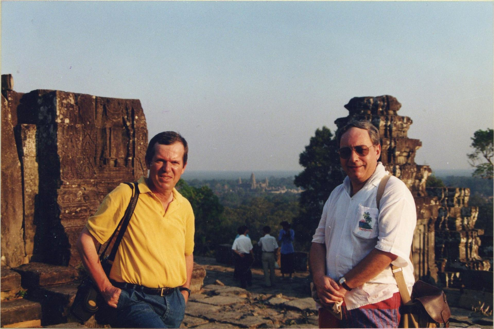 Angkor gallin et moinet fevrier 1996