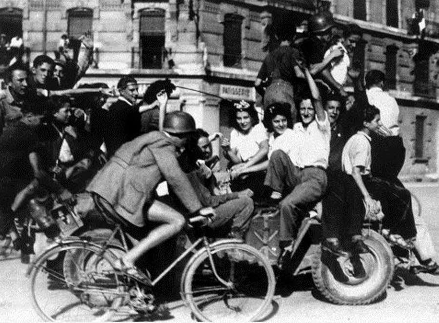 Dans les rues de grenoble le 22 aout 1944
