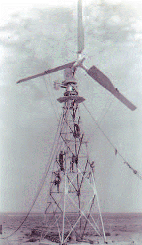 eolienne-saintes-marie-de-la-mer-1956-5.png
