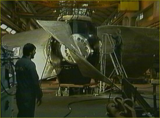 Film 3 le titre 13 turbine en usine