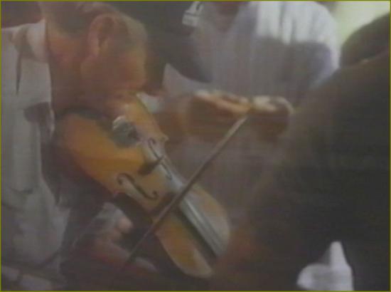 Film 4 titre 37 generique fete violon
