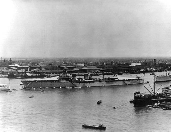 Le croiseur lamotte picquet devant shanghai lancement 1939 1