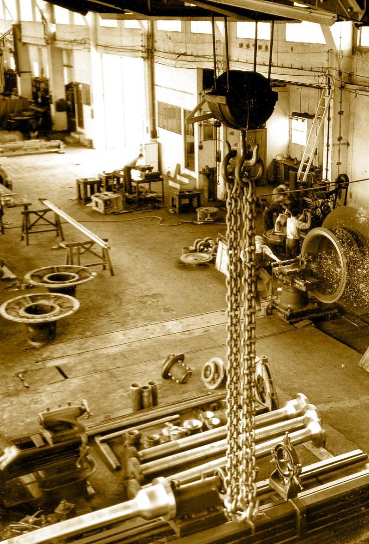 Neyrpic 13 l atelier de mecanique de l epoque