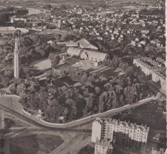 Vue sur le parc mistral en 1953 avec la tour perret